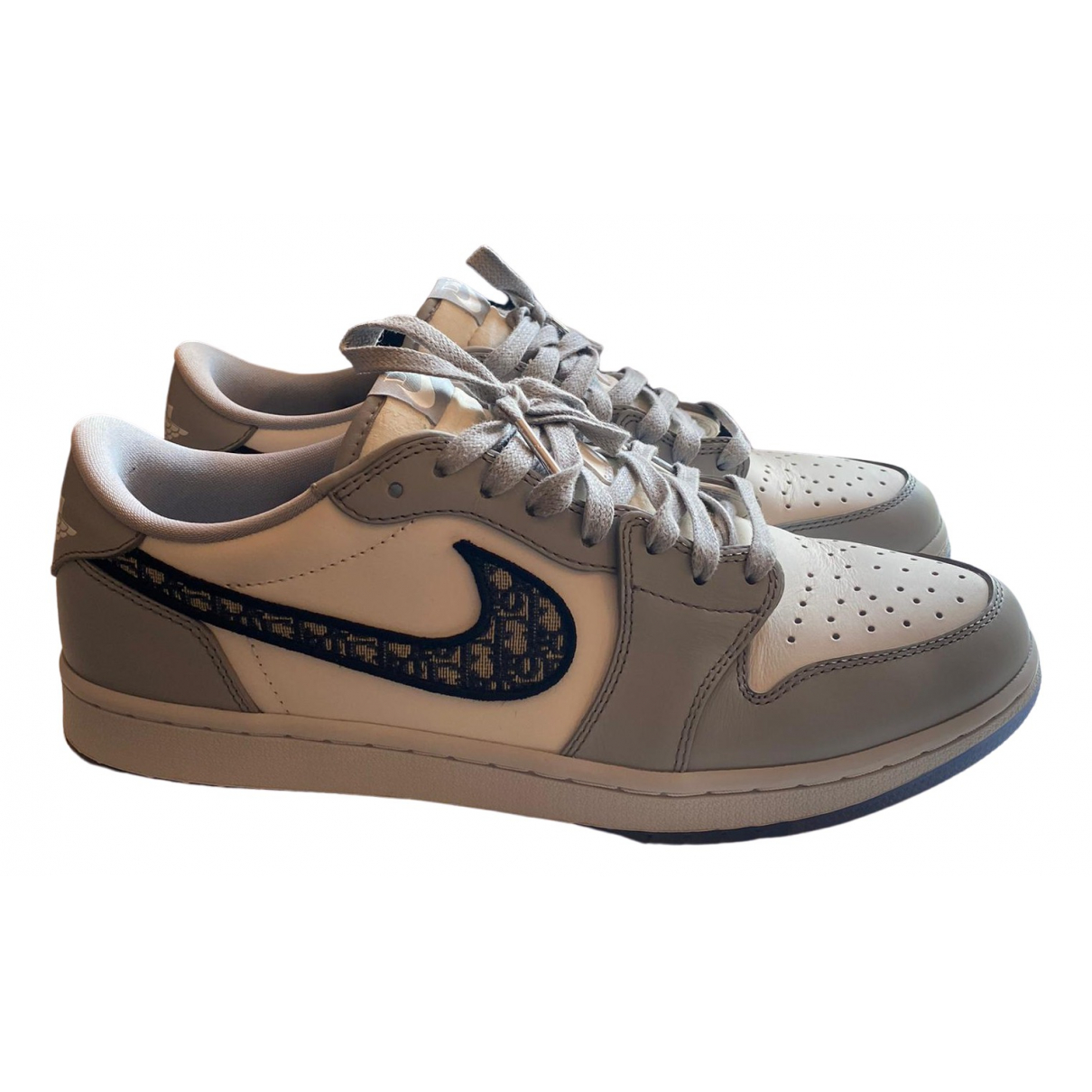 Jordan X Dior \N Sneakers in  Grau Kunststoff
