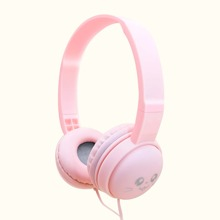 1pc Over-Ear Wired Headphone