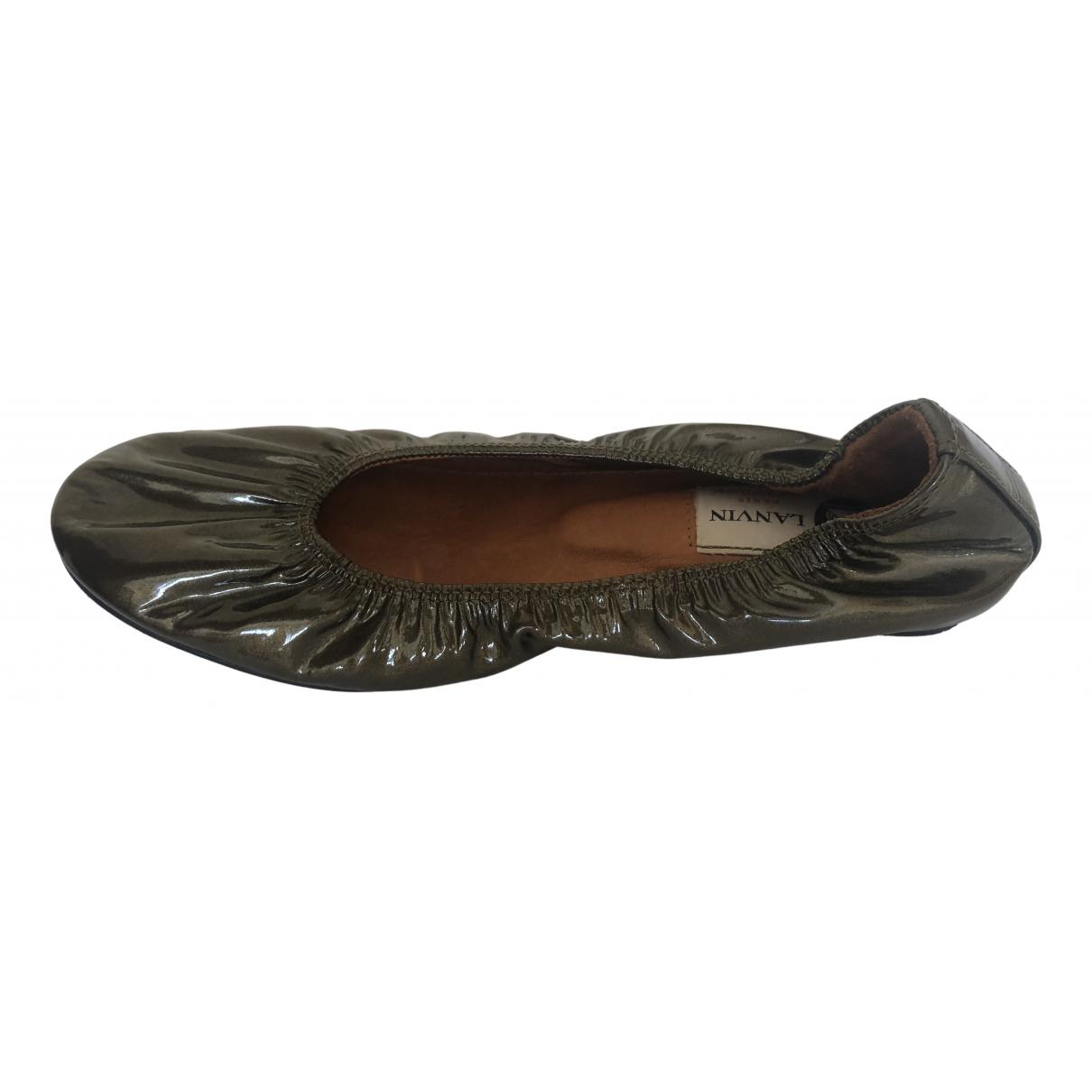 Lanvin \N Khaki Patent leather Ballet flats for Women 37 EU