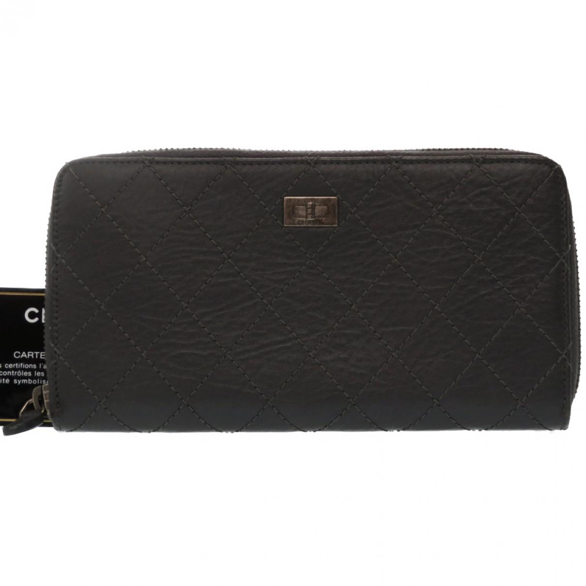 Chanel 2.55 Portemonnaie in  Grau Leder