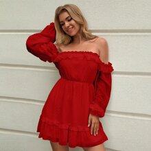 Double Crazy Schulterfreies Kleid mit Rueschenbesatz und Punkten Muster