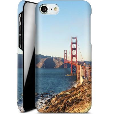 Apple iPhone 7 Smartphone Huelle - Golden Gate Galore von Omid Scheybani