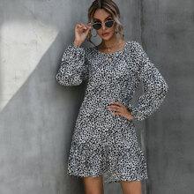 Kleid mit Dalmatiner Muster und Rueschenbesatz