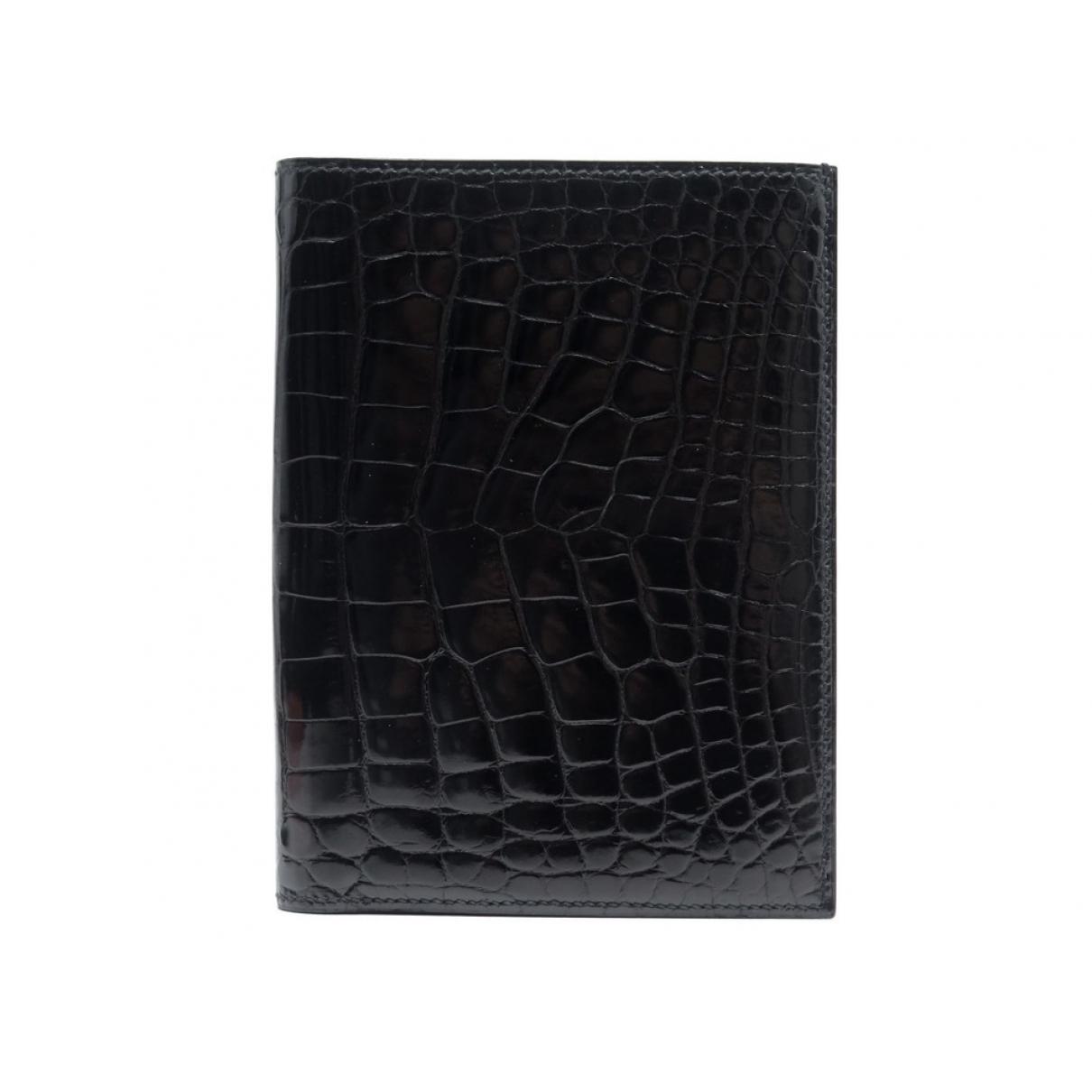 Hermes \N Portemonnaie in  Schwarz Krokodil