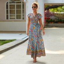 Kleid mit Stamm Muster, seitlichem Band und Wickel Design