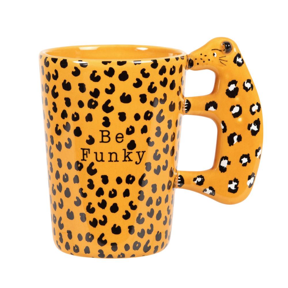 Fayence-Becher, gelb und schwarz, mit Leopardmotiven
