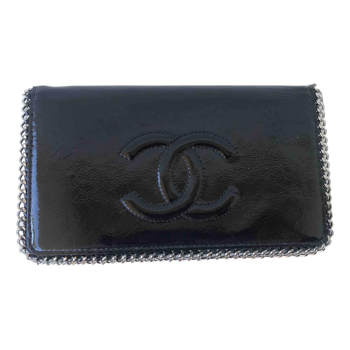 Chanel \N Portemonnaie in  Schwarz Lackleder