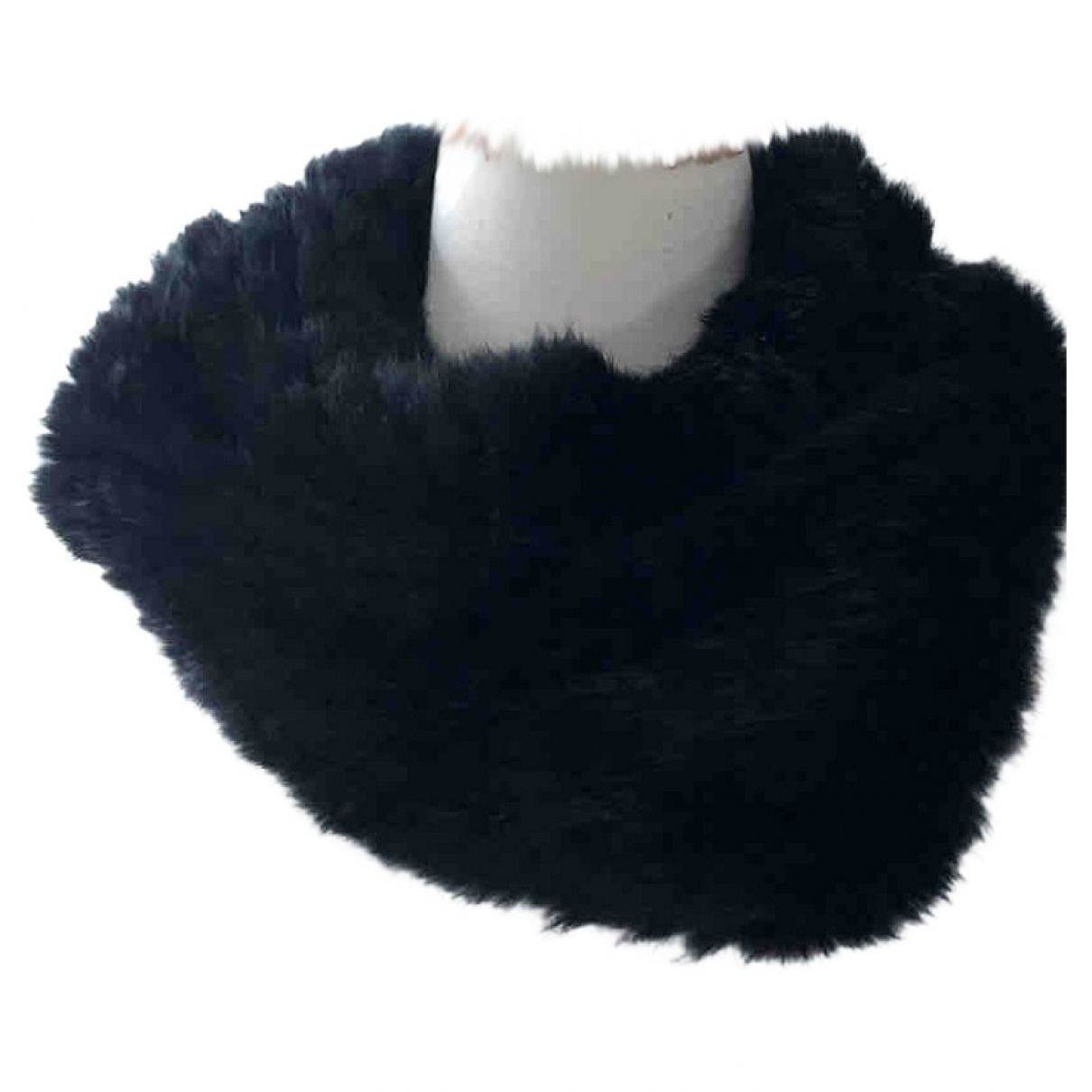 Non Signé / Unsigned \N Black Rabbit scarf for Women \N