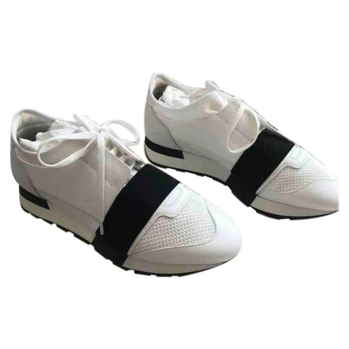 Balenciaga Race Sneakers in  Weiss Leder