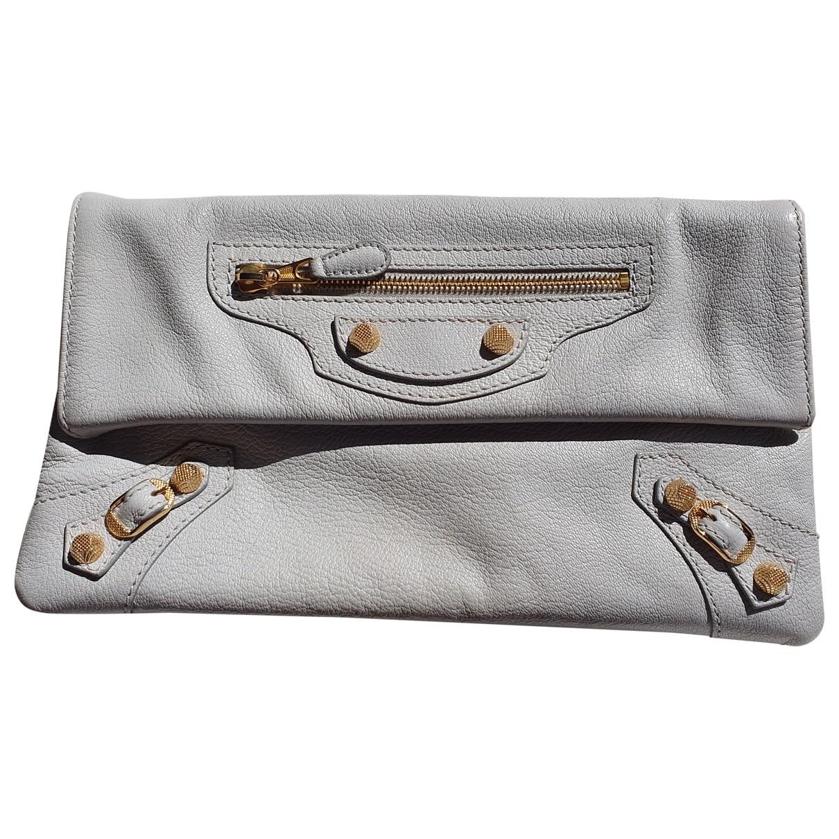 Balenciaga Envelop Clutch in  Grau Leder