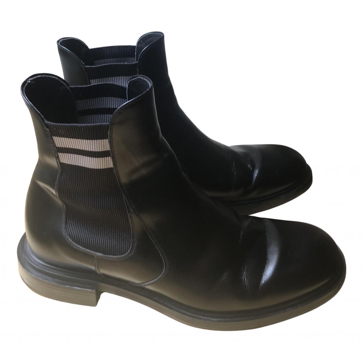 Fendi \N Stiefel in  Schwarz Leder