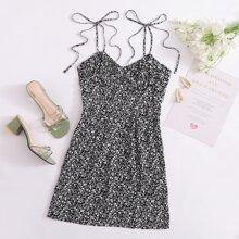 Cami Kleid mit Knoten auf Schulter, Ruesche und Bluemchen Muster