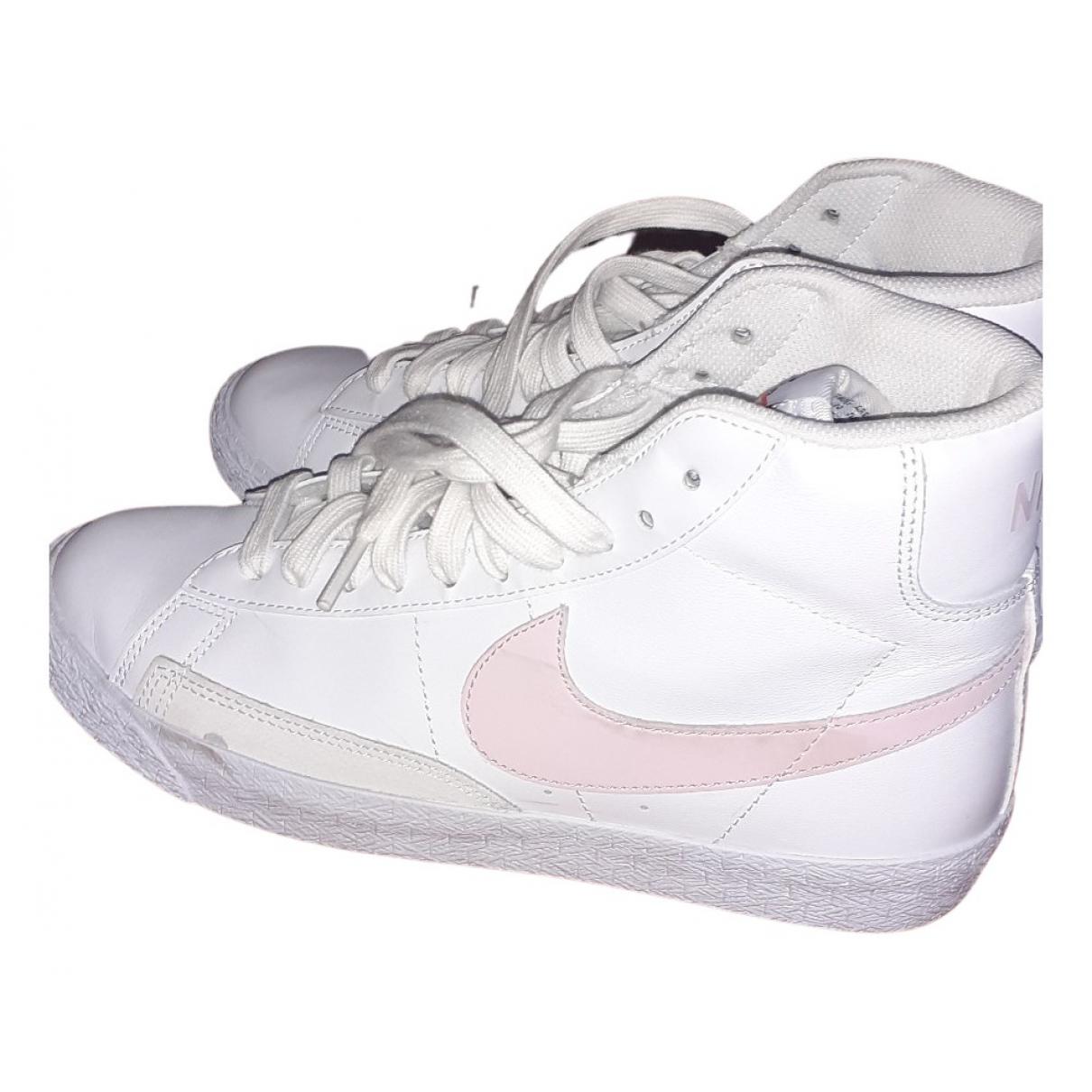 Nike - Baskets Blazer pour femme en cuir - blanc