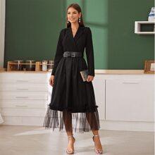 Kleid mit eingekerbtem Kragen, Netzstoff und Wickel Design ohne Guertel