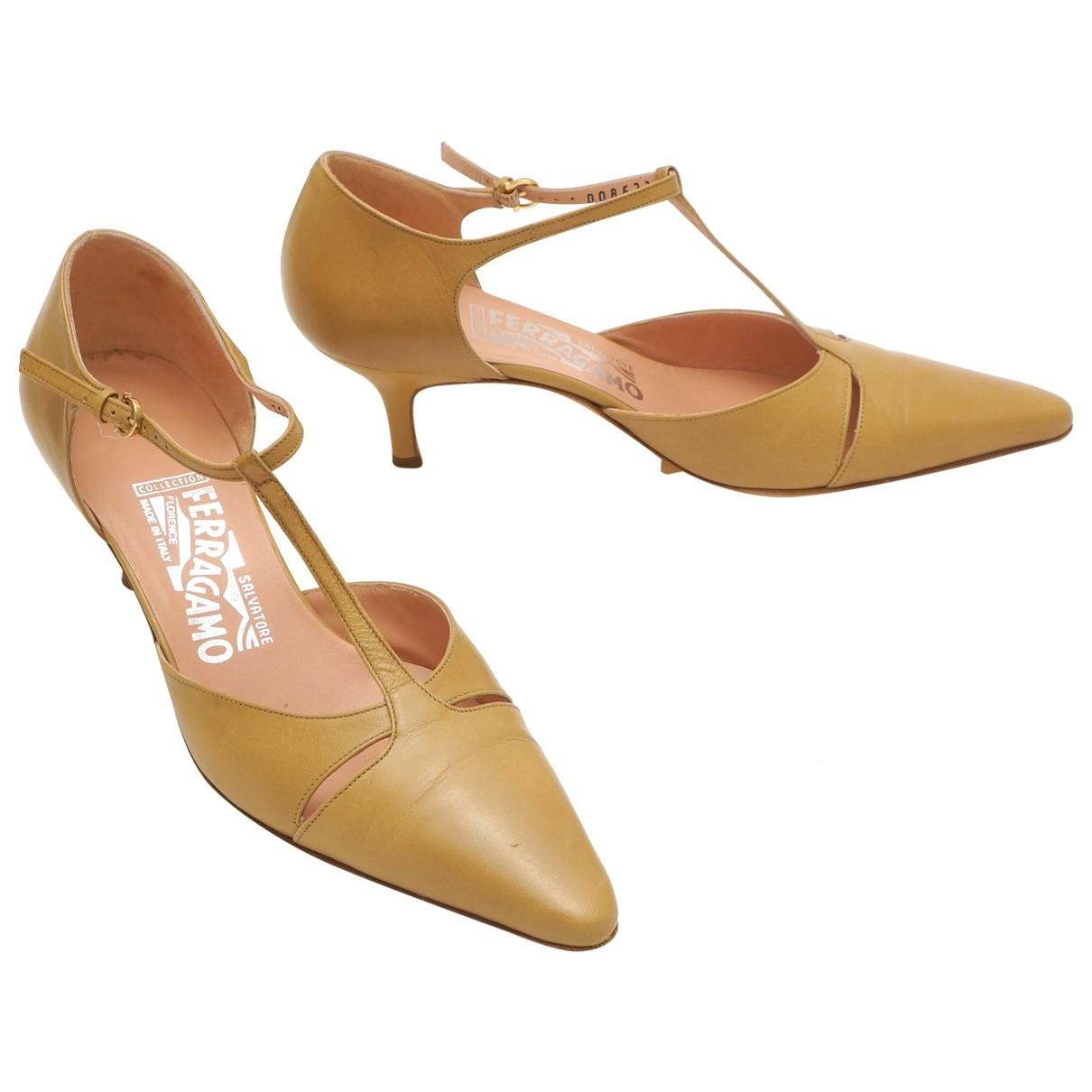 Salvatore Ferragamo \N Beige Leather Heels for Women 7 US