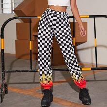 Pantalones deportivos de cuadros con estampado de fuego