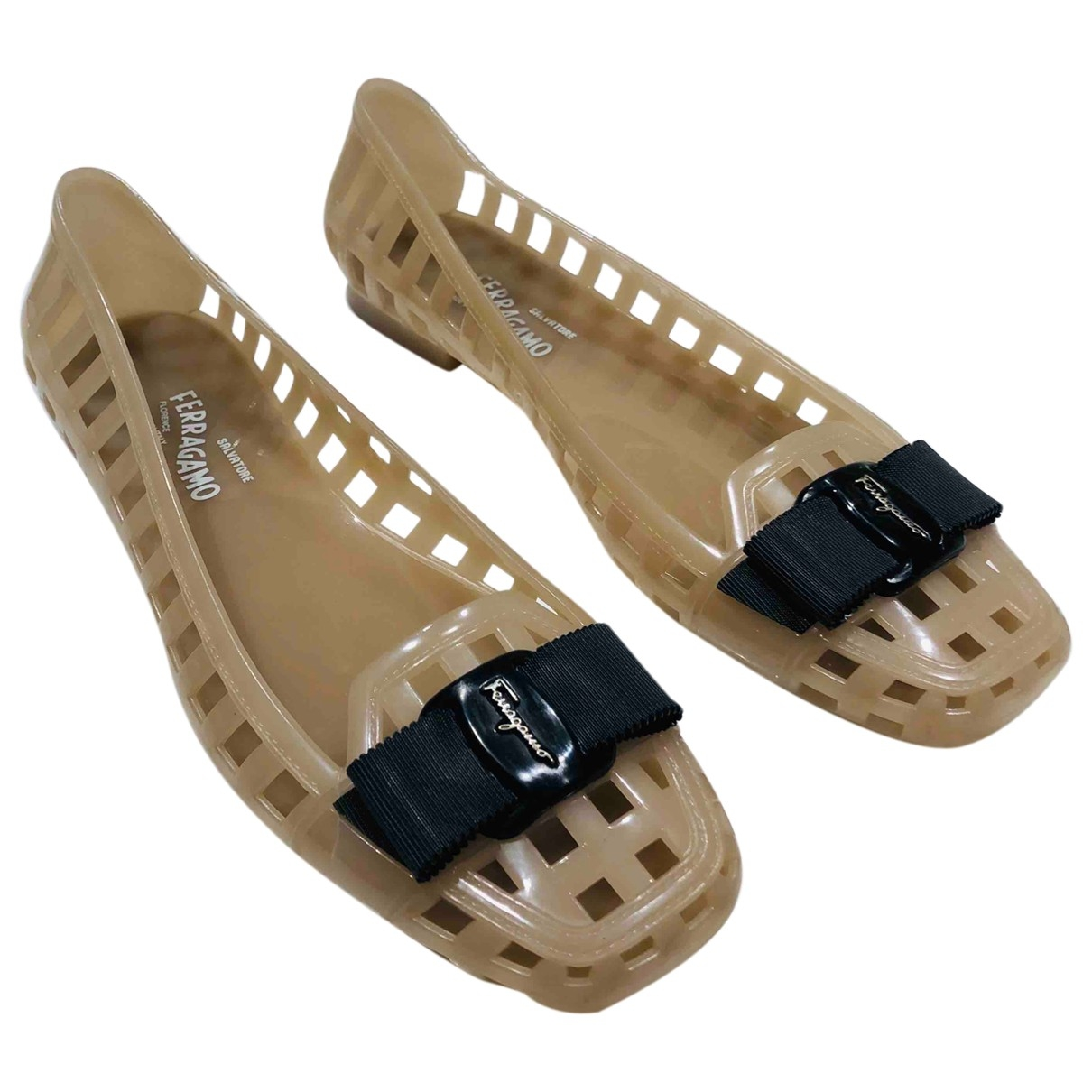 Salvatore Ferragamo \N Beige Rubber Sandals for Women 8 UK