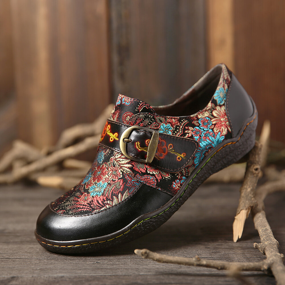 SOCOFY Retro Embroidery Stitching Flower Leather Embossed Plum Blossom Buckle Slip On Flat Shoes