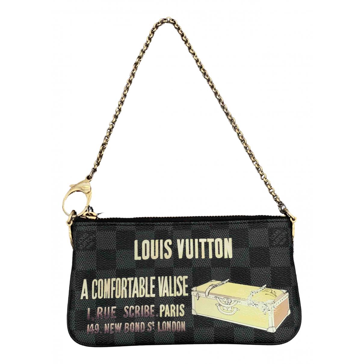 Louis Vuitton Pochette Accessoire Clutch in  Schwarz Leinen