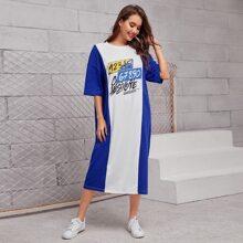 T-Shirt Kleid mit Buchstaben Grafik und Farbblock