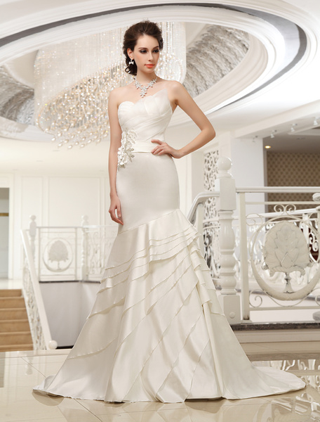 Milanoo Court Train Ivory Strapless Mermaid Strapless Wedding Dress For Bride with Tiered