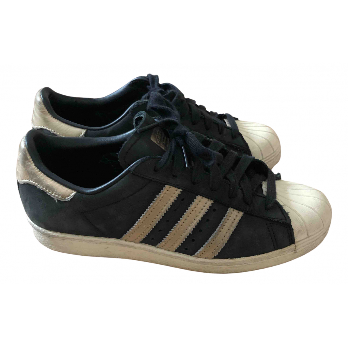 Adidas Superstar Sneakers in  Schwarz Veloursleder