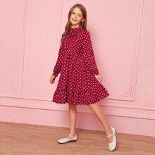 Maedchen Kleid mit Schleife Detail, Rueschenbesatz und Punkten Muster