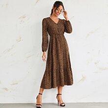 A-Linie Kleid mit Muster, Knopfen Detail und Rueschenbesatz