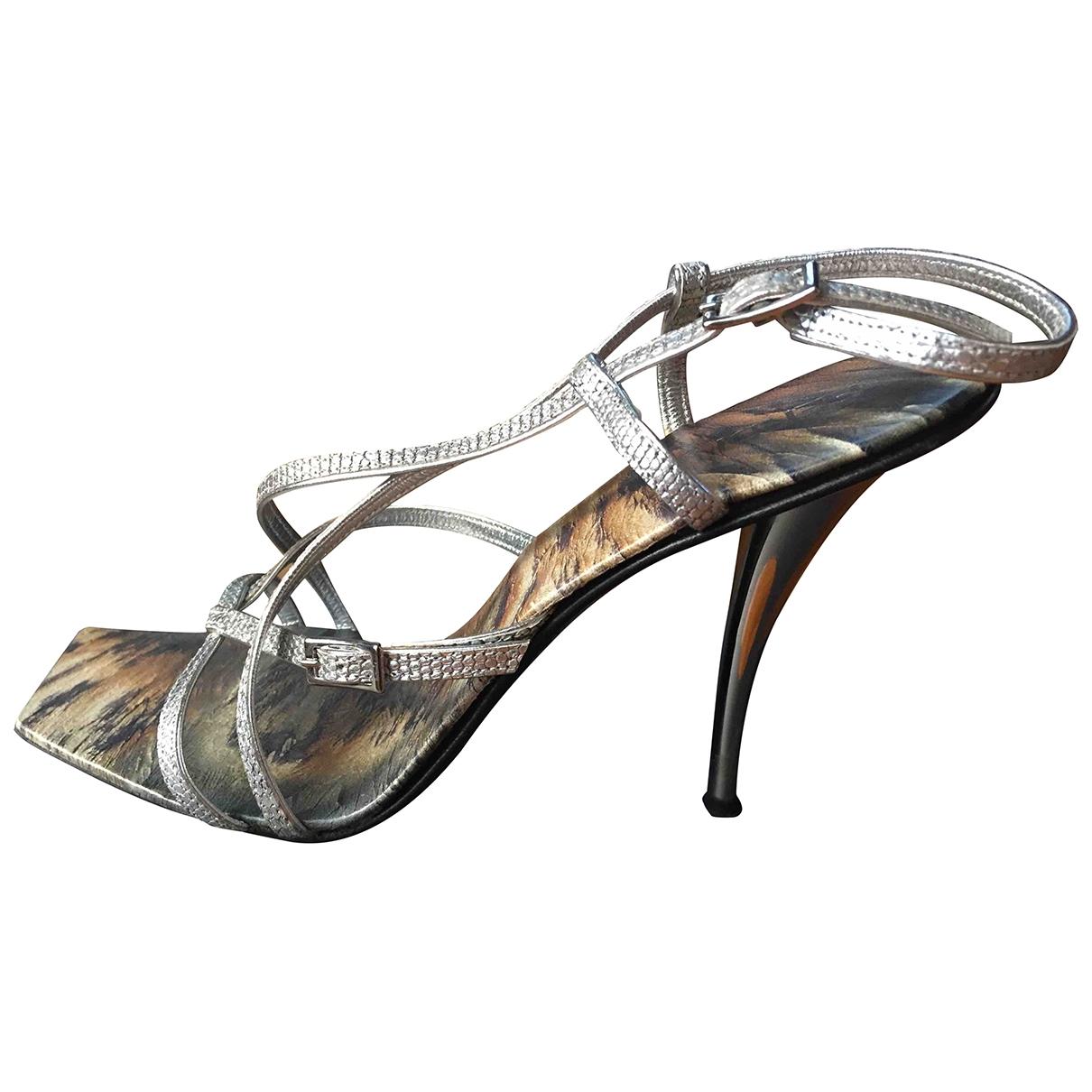 Fendi \N Sandalen in  Silber Leder
