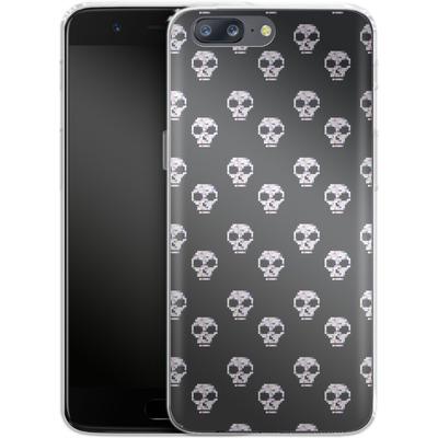 OnePlus 5 Silikon Handyhuelle - Digital Skulls von caseable Designs