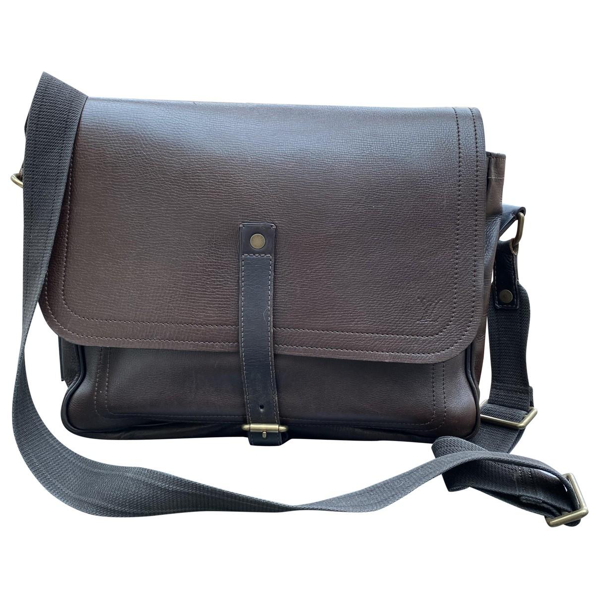 Louis Vuitton \N Taschen in  Braun Leder