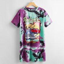Vestido estilo camiseta de tie dye con estampado de letra y coche