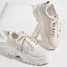 Sneakers mit Stich Detail und Band vorn