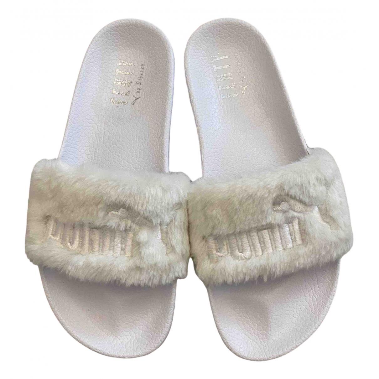 Fenty X Puma - Sandales   pour femme en fourrure synthetique - blanc