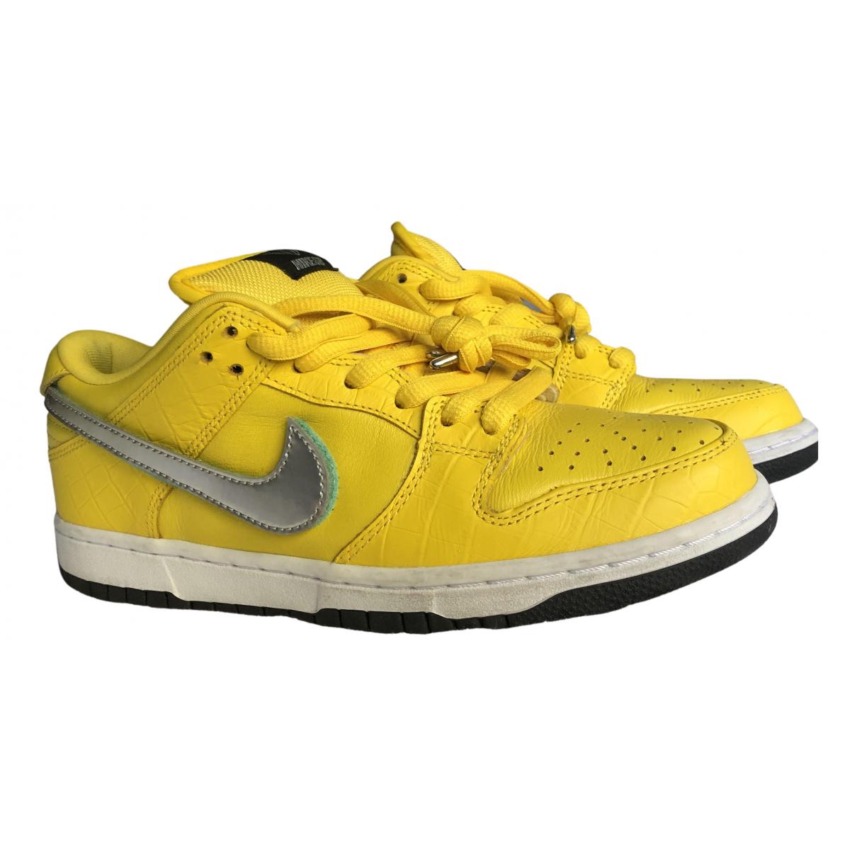Nike - Baskets SB Dunk  pour homme en cuir - jaune