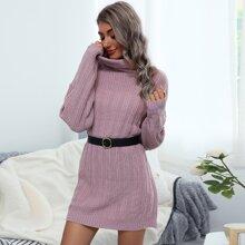 Pullover Kleid mit sehr tief angesetzter Schulterpartie und Rollkragen ohne Guertel