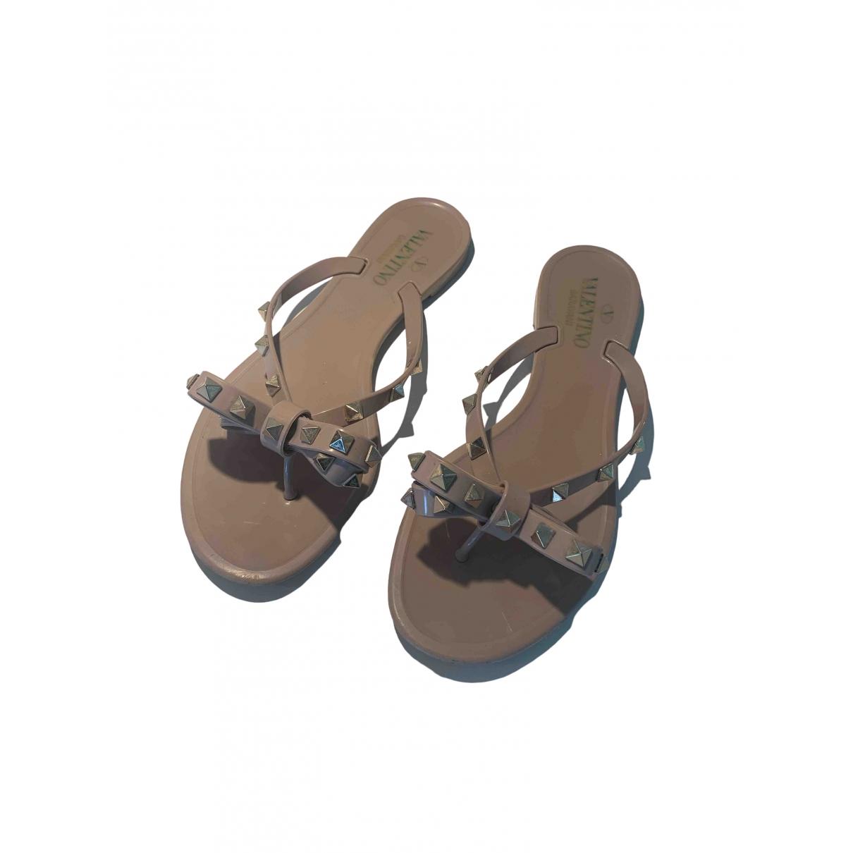 Valentino Garavani Rockstud Beige Rubber Sandals for Women 38 EU