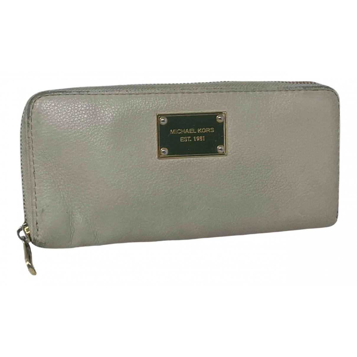 Michael Kors N White Leather wallet for Women N