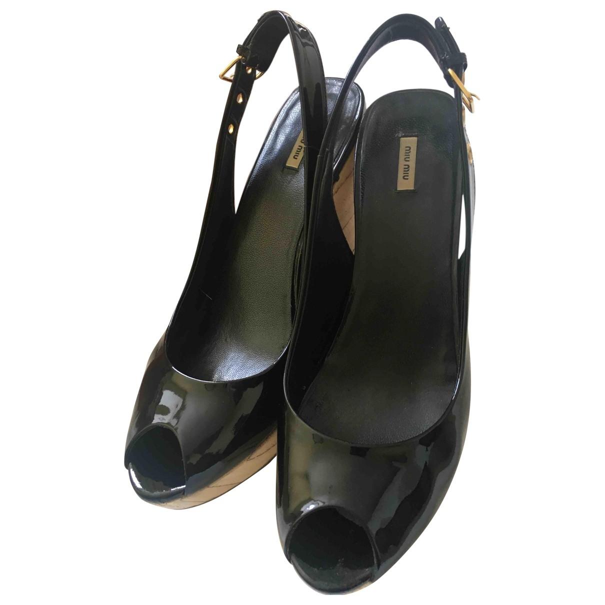 Miu Miu - Sandales   pour femme en cuir verni - noir