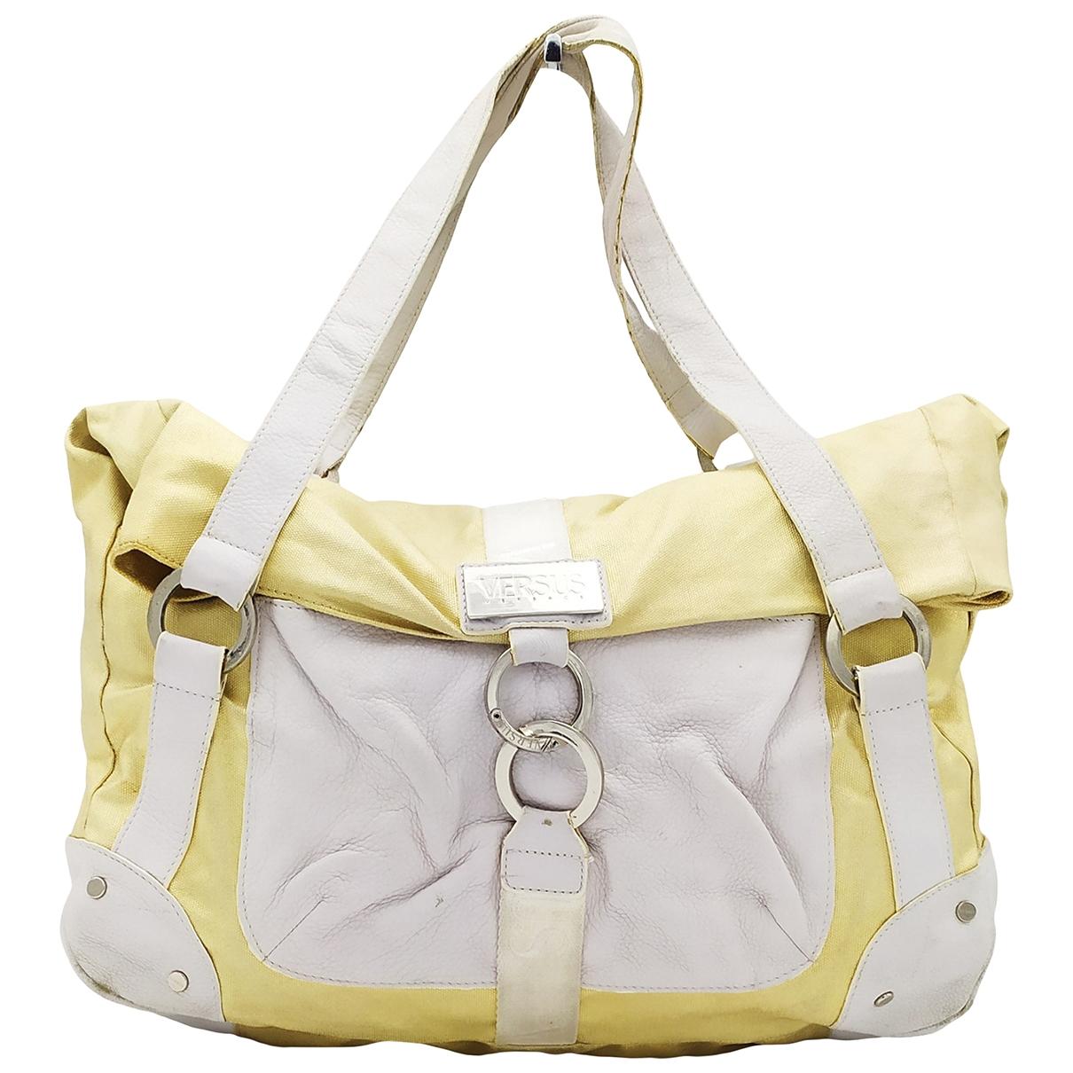 Versus \N Handtasche in  Gold Leinen