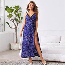 Cami Kleid mit Bluemchen Muster und V Ausschnitt vorn