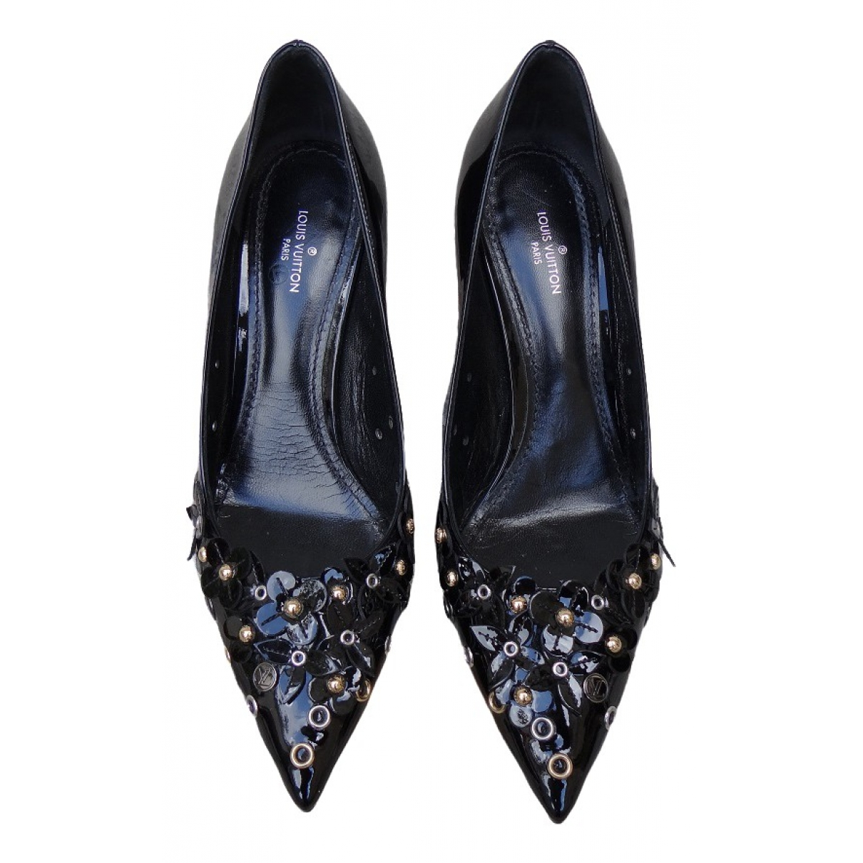 Louis Vuitton \N Pumps in  Schwarz Lackleder
