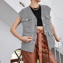 Mantel mit Knopfen vorn und Taschen Flicken