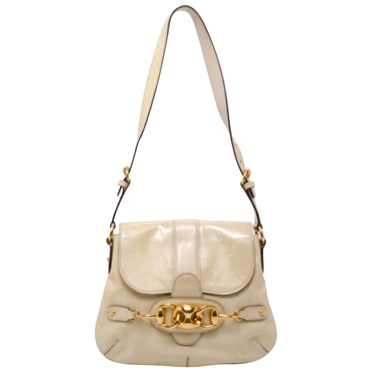 Gucci \N Handtasche in  Ecru Lackleder