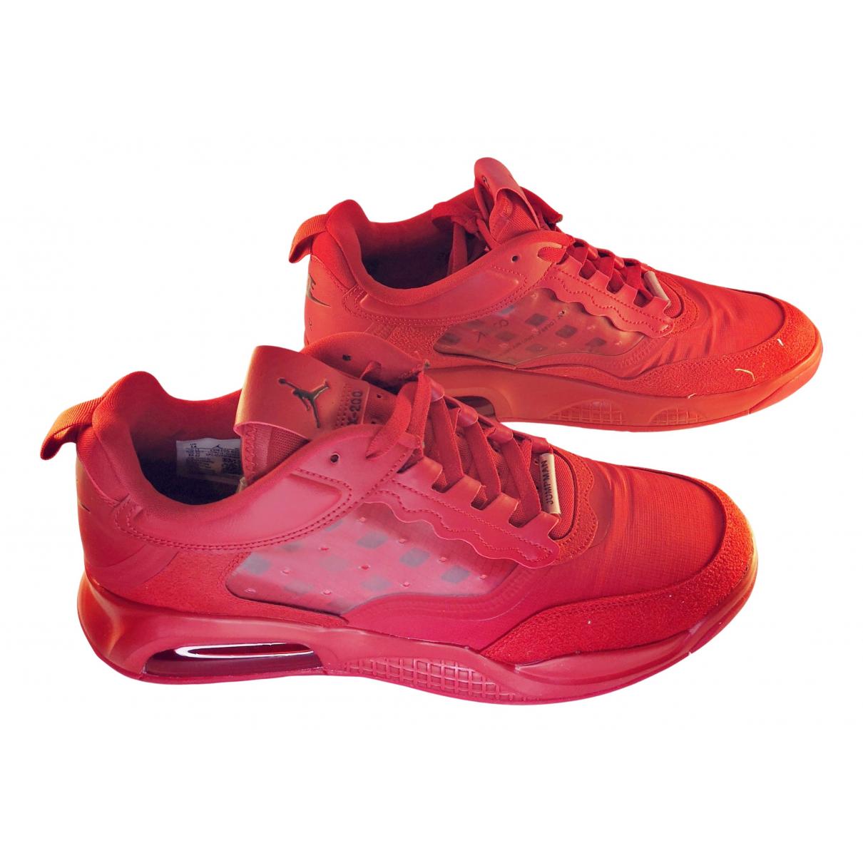 Jordan \N Sneakers in  Rot Leinen