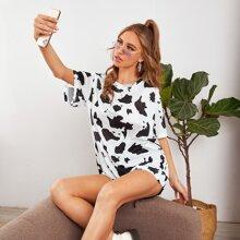 T-Shirt mit Kuh Muster und sehr tief angesetzter Schulterpartie