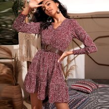 Kleid mit Dalmatiner Muster, Gigotaermeln und Rueschenbesatz ohne Guertel