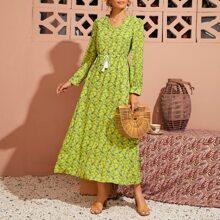 Kleid mit Paisley Muster und Kordelzug Detail