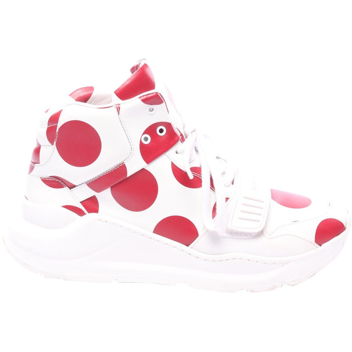 Burberry \N Sneakers in  Weiss Leder