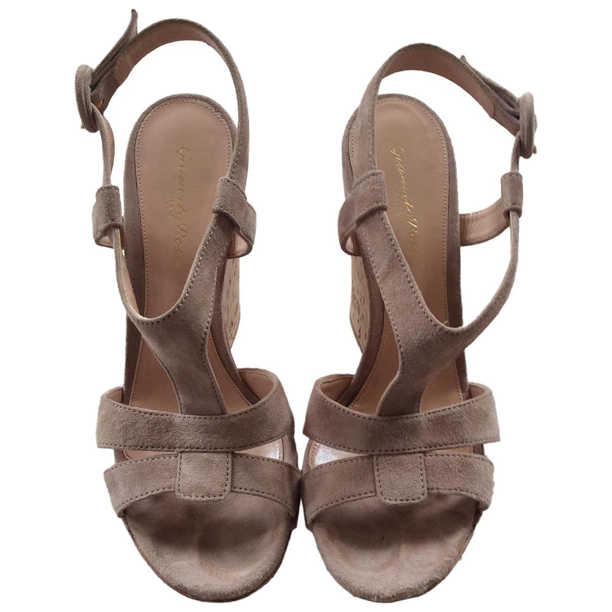 Gianvito Rossi \N Beige Suede Sandals for Women 38 EU